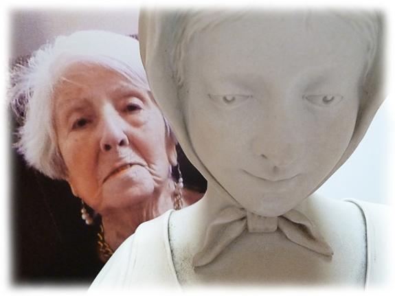 Mom_Statue_449